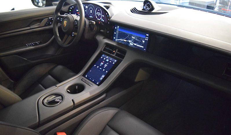 Porsche Taycan Turbo lleno
